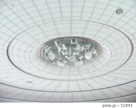 スタジアムドーム天井