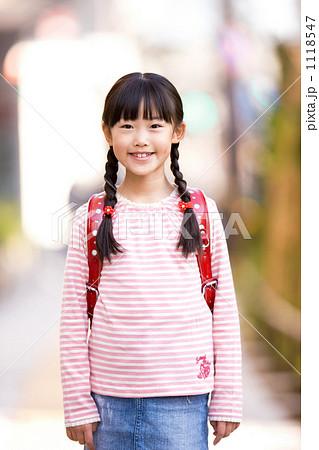 ロリコンな男性の心理 - どうして幼女・少女が好きなのか [186586446]YouTube動画>3本 ->画像>54枚