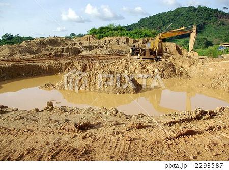 ガーナの金採掘場 2293587 ガーナの金採掘場 ※PIXTA限定素材とは、PIXTA本体、も