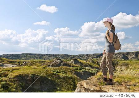 州立恐竜公園 枠 美しい - 写真素材. »サムネイル表示に戻す. カン  州立恐竜公園