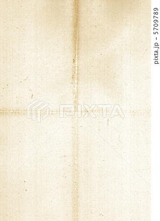 四つ折りの古い紙 5709789  四つ折りの古い紙 画質確認    四つ折りの古い紙のイラスト