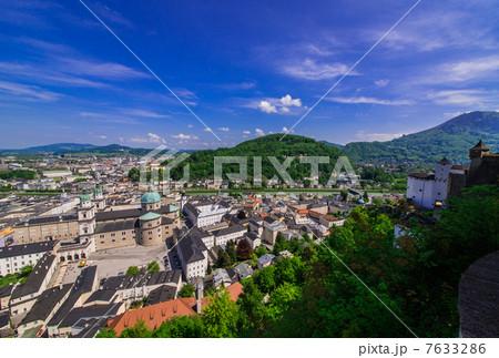 ザルツブルク ホーエンザルツブルク城塞から望む風... ザルツブルク ホーエンザルツブルク城塞か
