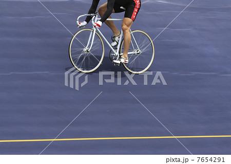 競輪選手 7654291  競輪選手  サムネイル表示に戻す 画質を確認 競輪選手の写真素材 [