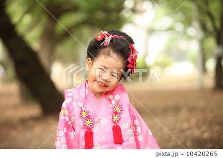 小女孩 开怀笑 日式发型-图片素材 [10420265] - pixta