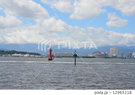 博多湾上から眺めた「福岡ドーム」(福岡県福岡市)... 博多湾上から眺めた「福岡ドーム」(福岡県