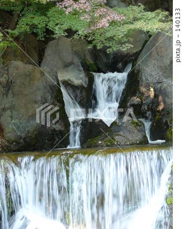 初秋の滝 140133