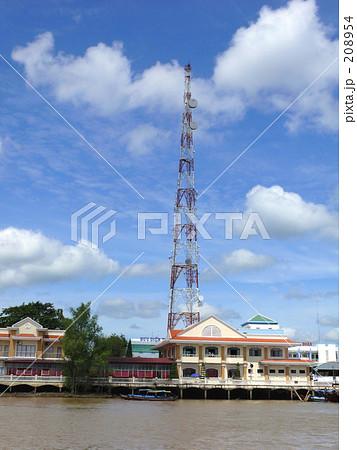 水上都市の電波塔 208954