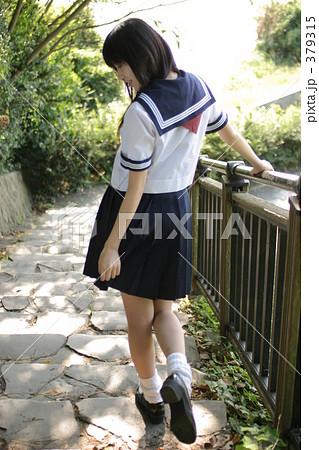 9126557834485f 湘南のセーラー服女子高生の写真素材 [379315] - PIXTA