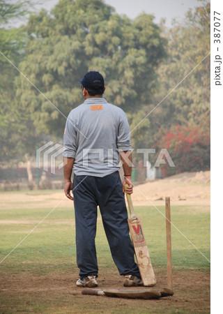 クリケットをするインド人 387077