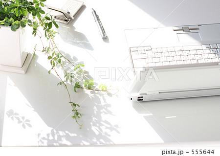 ビジネスの未来 ノートパソコン 555644