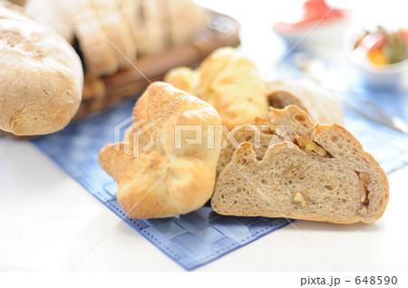 ナッツ入りパン 648590