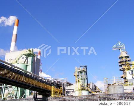 青空と工場と煙突 686617