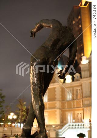 恵比寿ガーデンプレイスの銅像 745384