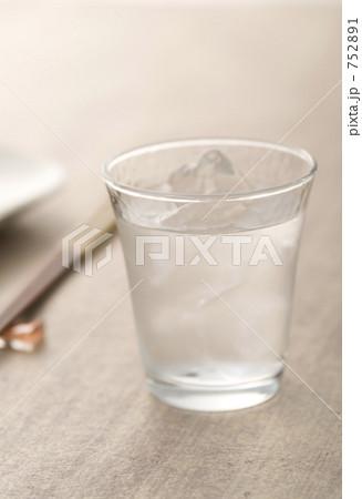 焼酎ロックの写真素材 [752891] - PIXTA