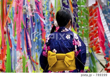 七夕祭り浴衣の少女 789399