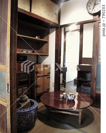 ちゃぶ台 家具 東京建物博物館の写真