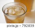 シンプル麦茶 792839