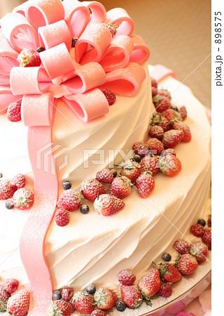 ウエディングケーキ ウエディングケーキ イラスト 無料  ウエディングケーキの写真素材 .