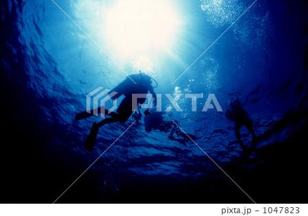 under water 1047823