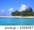 リゾート地の海 1069087