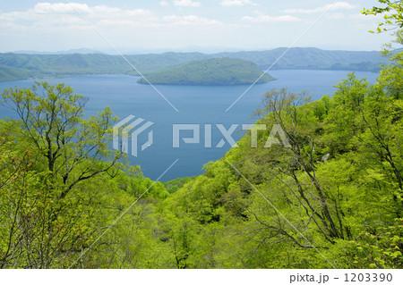 春の十和田湖 1203390