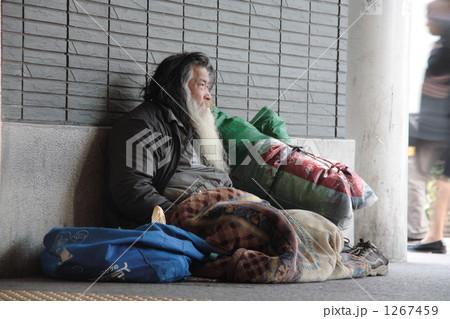 ホームレス 路上生活者 浮浪者  1267459