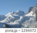 スイスの山岳風景 1294072
