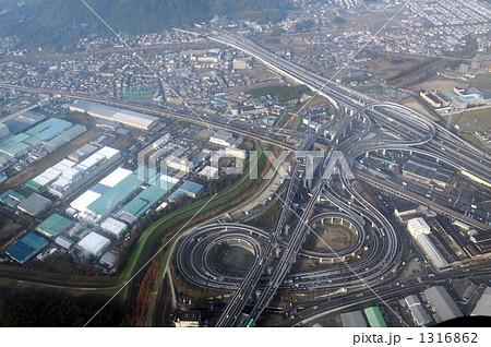 名神高速、大山崎ジャンクションを空撮 1316862