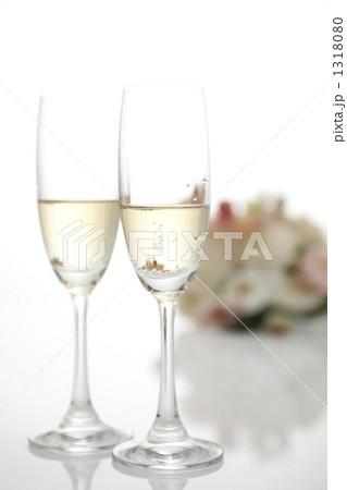 シャンパン ウェディング 花の写真素材 [1318080] - PIXTA