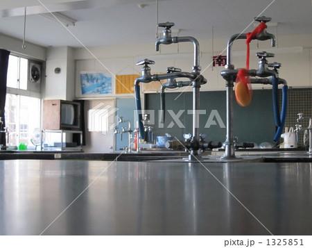 理科室の水道蛇口 1325851