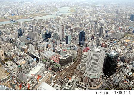大阪駅上空から空撮 1386111