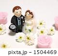 白い花とブライダル・キャンドル 1504469