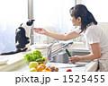 フルーツ キッチン 女性の写真 1525455