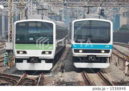 山手線E233系電車と京浜東北線209系電車 1536948