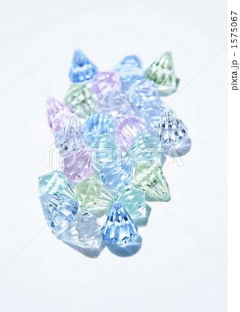 反射するプラスチックの小物の写真素材 [1575067] - PIXTA