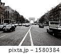 自動車 シャンゼリゼ通り 道路の写真 1580384