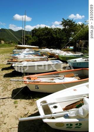 海辺のボート 1630089