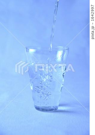 水を注ぐの写真素材 [1642997] - PIXTA