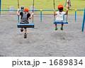 人物 遊具 園児の写真 1689834