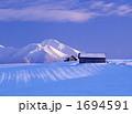 雪原と富良野岳Ⅱ 1694591