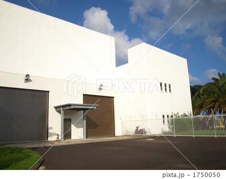 種子島宇宙センターのH-IIロケット7号機格納庫 1750050
