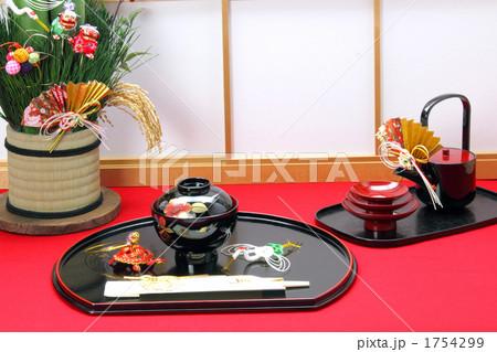 お正月 障子とお屠蘇に縁起小物 (盆飾り鶴亀) 1754299