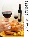 クリスマスディナー 赤ワイン グラスの写真 1788672