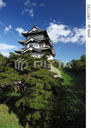 夏の弘前城 1807732