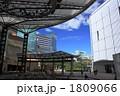 イベント広場のある都会の風景 1809066