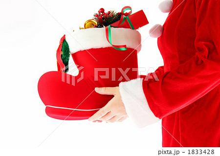 クリスマス サンタブーツとプレゼント1 1833428