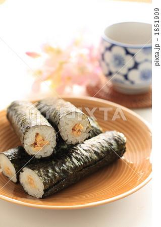 のり巻きと日本茶 1861909