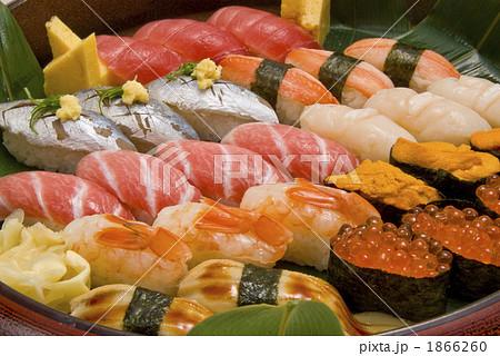 特上寿司盛り合せアップ 1866260