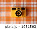 トイカメラとランチョンマット(チェック) 1951592