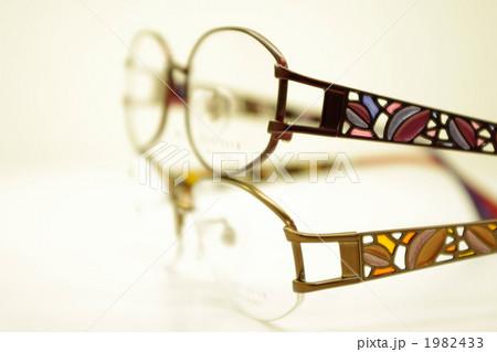 ステンドグラスのようなメガネ 1982433